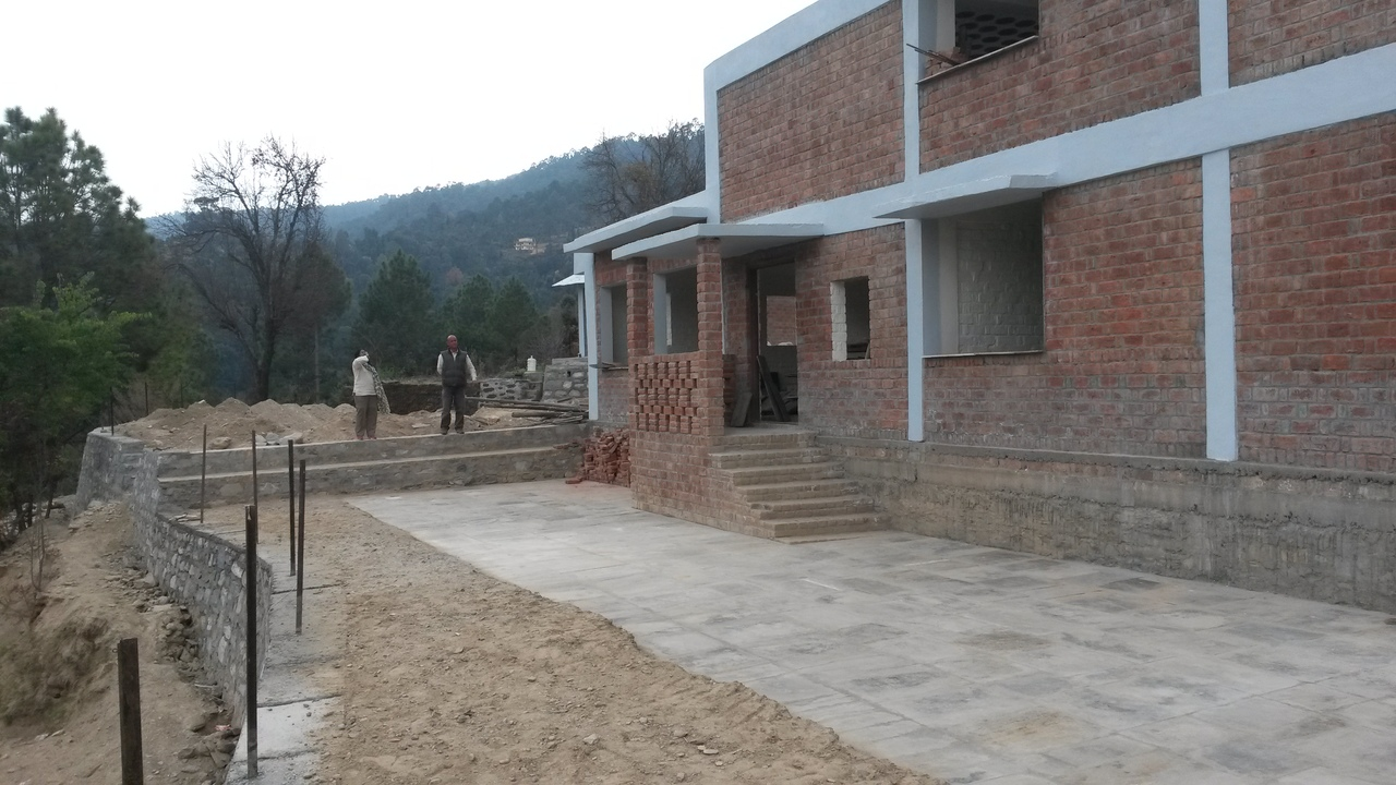Front courtyard paved